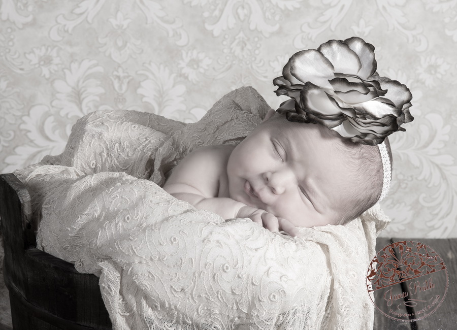 Newborn Girl 10 Tage