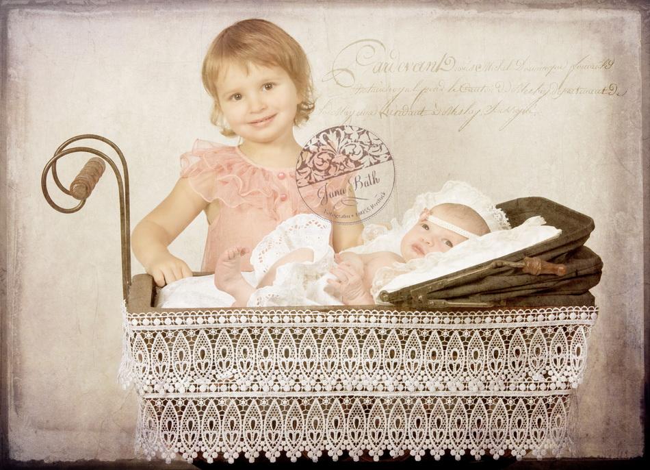 Baby 6 Tage mit Schwester