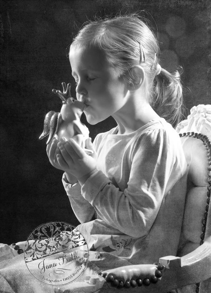 Der Froschkönig Kleines Mädchen, 4 Jahre alt