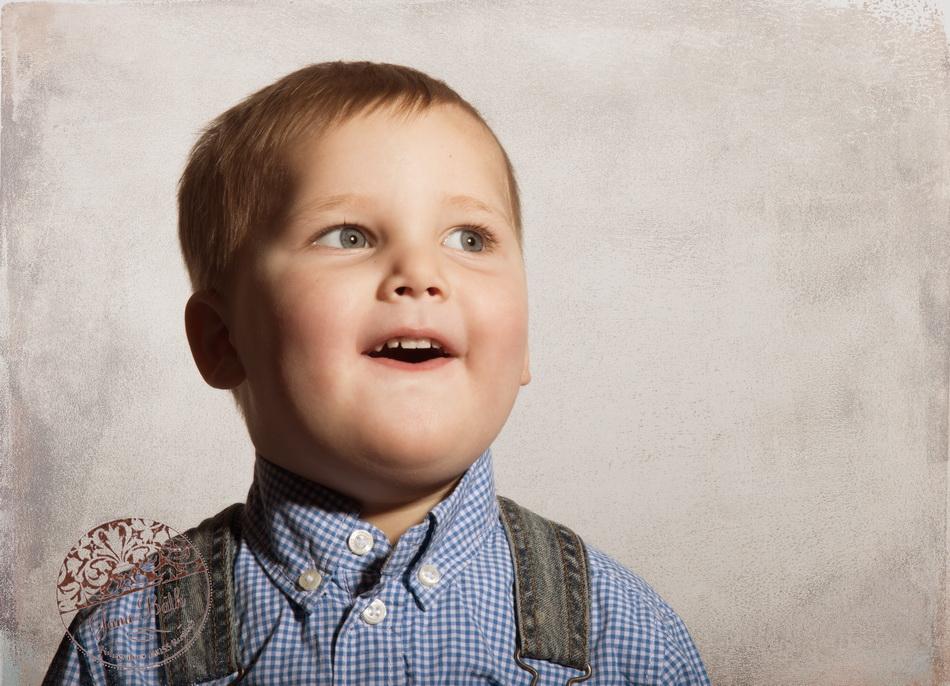 kleiner Junge 2 Jahre alt -Vintage portrait