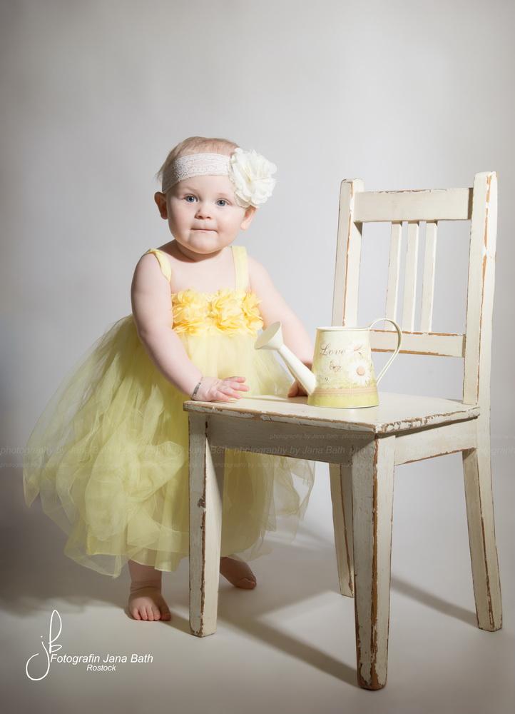 babys ab 8 monate babyshooting. Black Bedroom Furniture Sets. Home Design Ideas