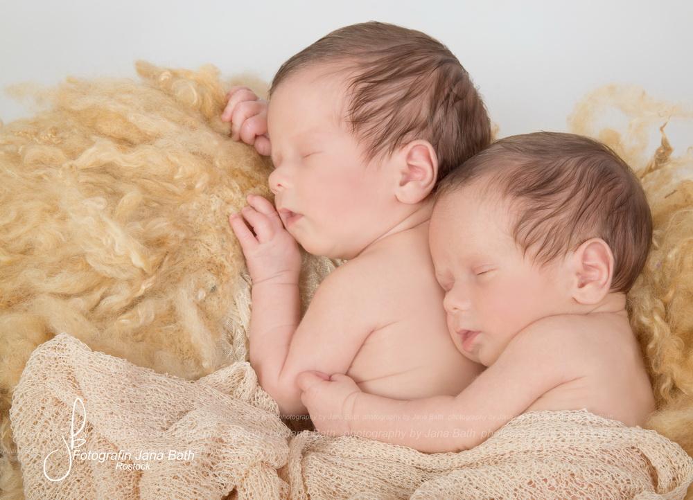Eineiige Zwillinge, 17 Tage jung - Foto Jana Bath 2017