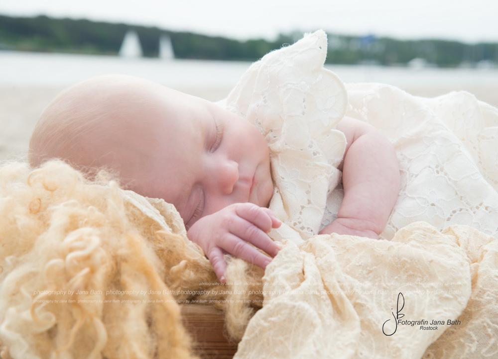 Baby am Strand - Foto Jana Bath 2017 Rostock - baby on the beach