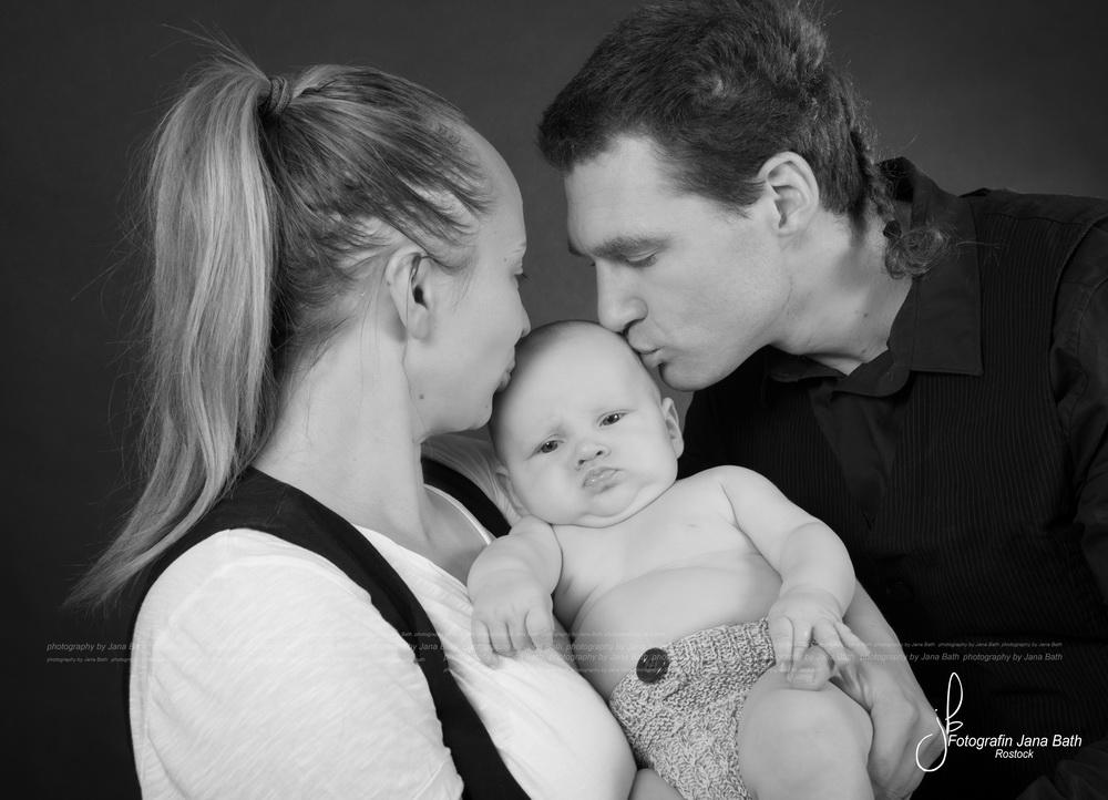 Mami und Papi mit Baby 12 Wochen alt - Foto Jana Bath 2017